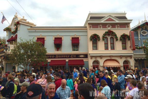 10 Things To Do On Crowded Days at Disneyland