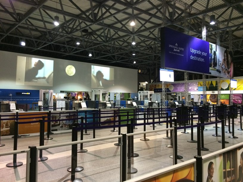 Navigating Oakland Airport with Kids: OAK TSA checkpoint
