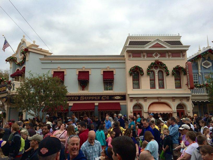 Disneyland Crowds at Rope Drop on Holiday Weekend