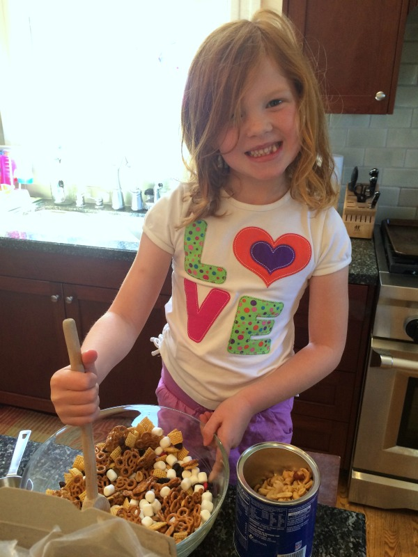 Mickey Mouse Trail Mix Kid Making