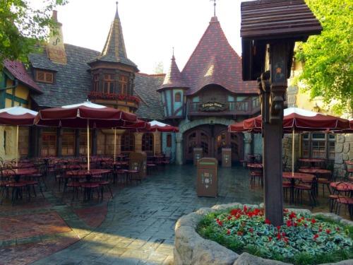 Fantasyland - Village Haus