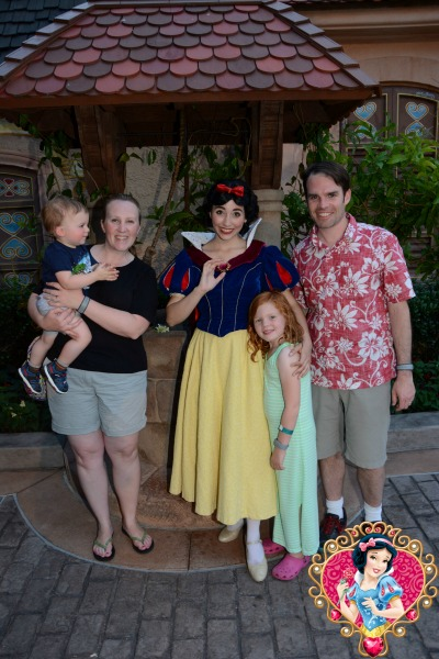 Disney Memory Maker Snow White Family