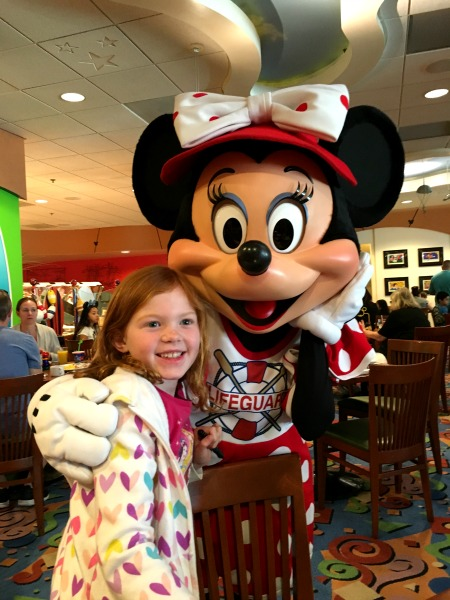 Surf's Up! Breakfast - Minnie Mouse