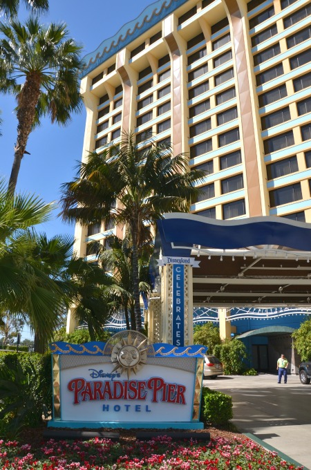 Surf's Up! Breakfast - Paradise Pier Hotel Disneyland