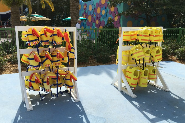 Summer Water Safety - Lifejackets