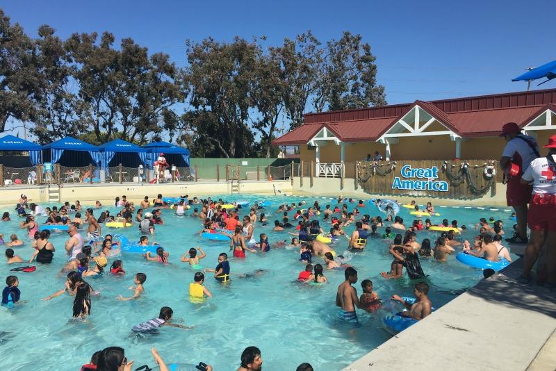 Californias Great America with Kids - Wave Pool Boomerang Bay