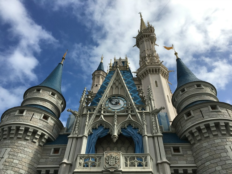 Travel Hacking Disney - Cinderella Castle