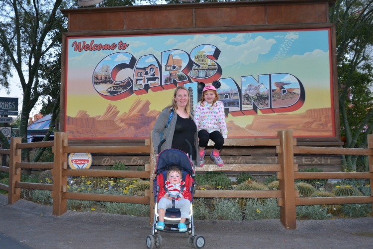 disneyland-with-toddlers-cars-land