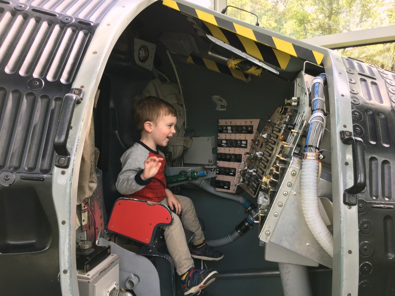 Things to do in Oakland with Kids - Chabot Space and Science Center