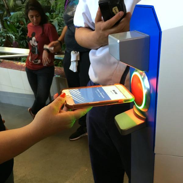 Disneyland Rider Switch with MaxPass - Redeeming MaxPass with Smartphone
