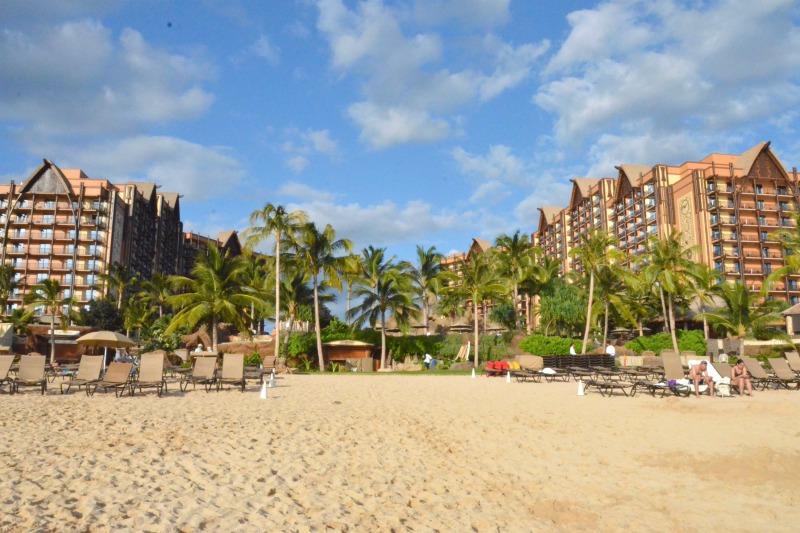 Disney Aulani vs. Disney Cruise Line - Aulani beach