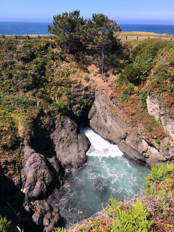 Mendocino County California with Kids - Devil's Punch Bowl