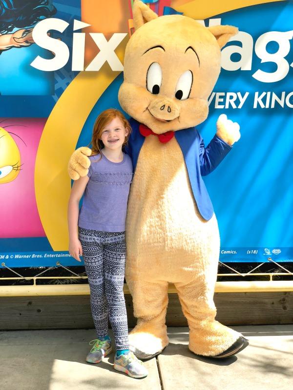 Six Flags Discovery Kingdom - Porky Pig Meet Greet