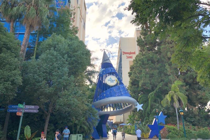 Disneyland Hotel - Magicians Hat Side Entrance
