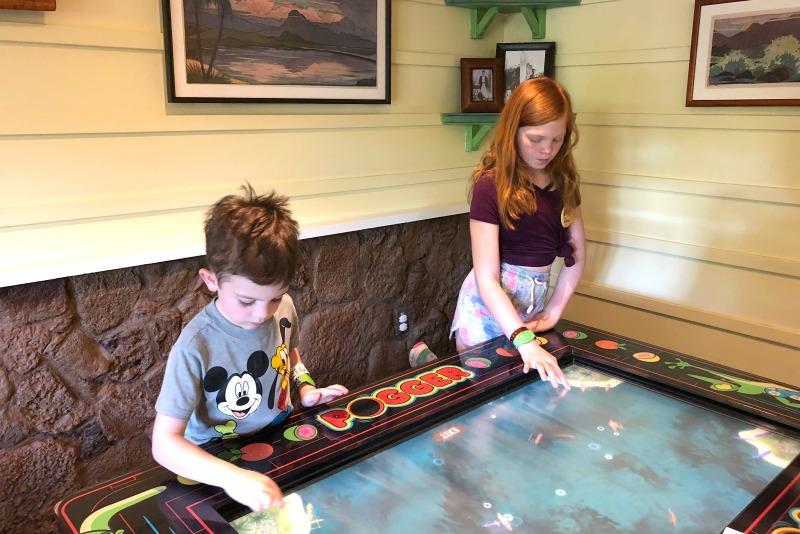 Disney Aulani Auntys Beach House - Game Tables