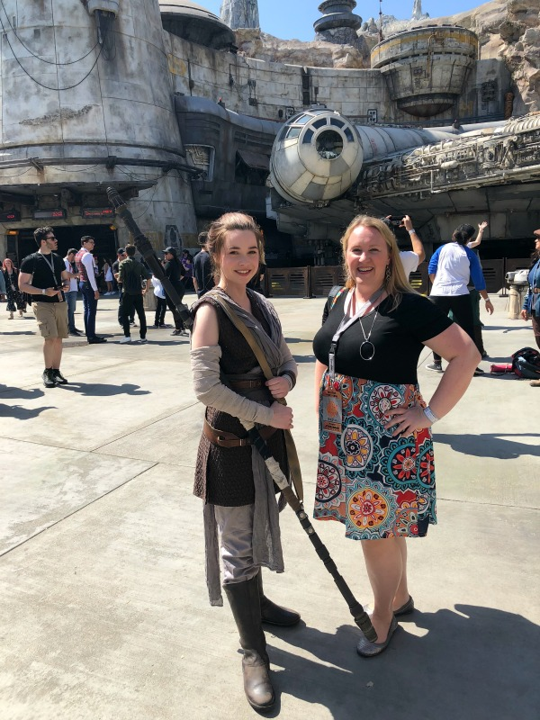 Star Wars Galaxys Edge Disneyland - Rey