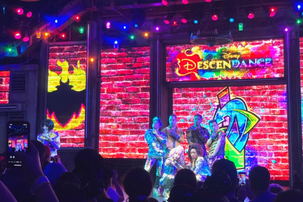 Oogie Boogie Bash Disneyland - DescenDANCE