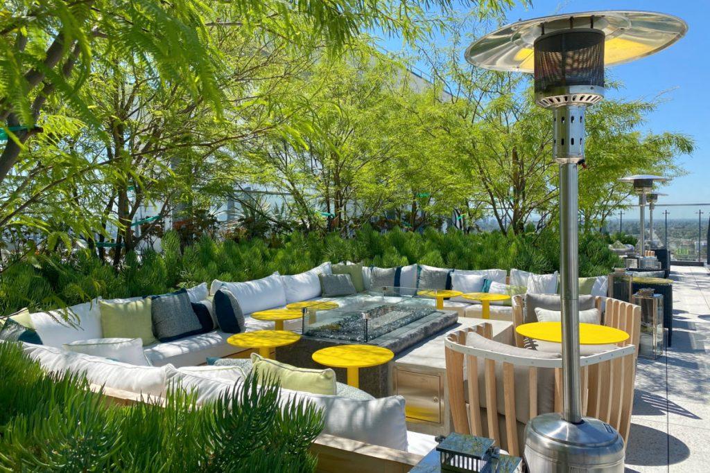 Radisson Blu Anaheim - Blu SkyBar Firepit Outdoor Seating