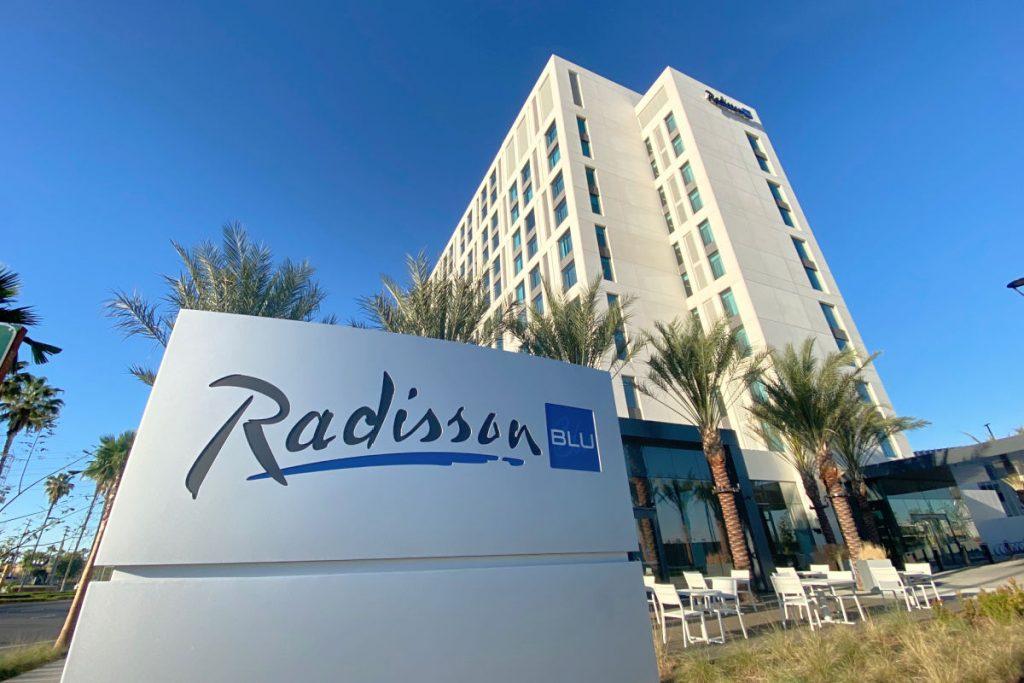 Radisson Blu Anaheim near Disneyland - Hotel Exterior