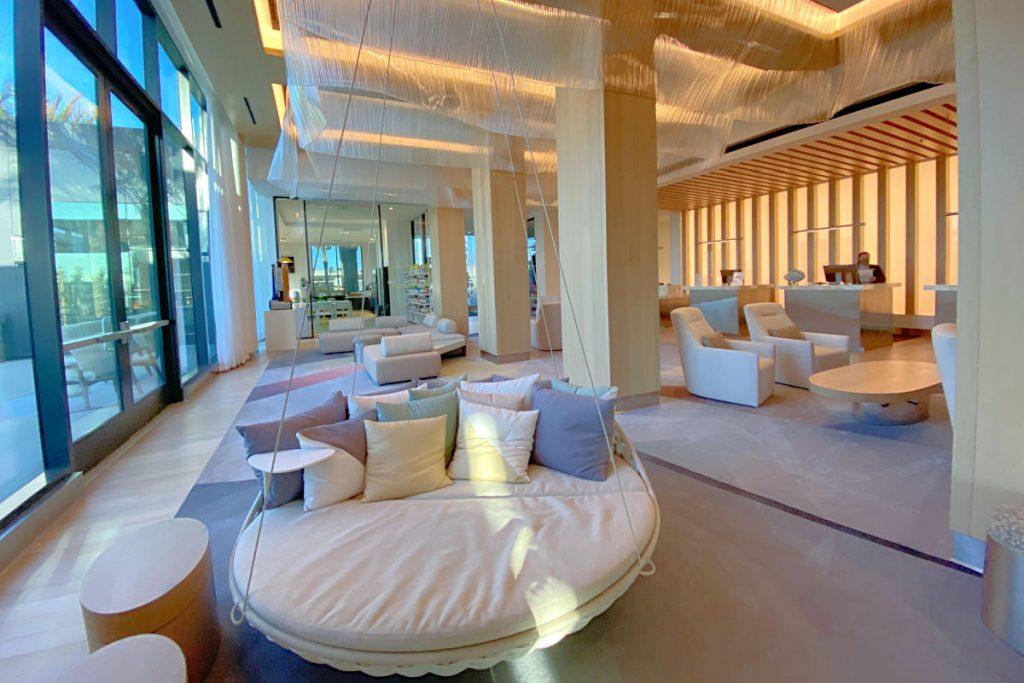 Radisson Blu Anaheim - Lobby and Check in Desks