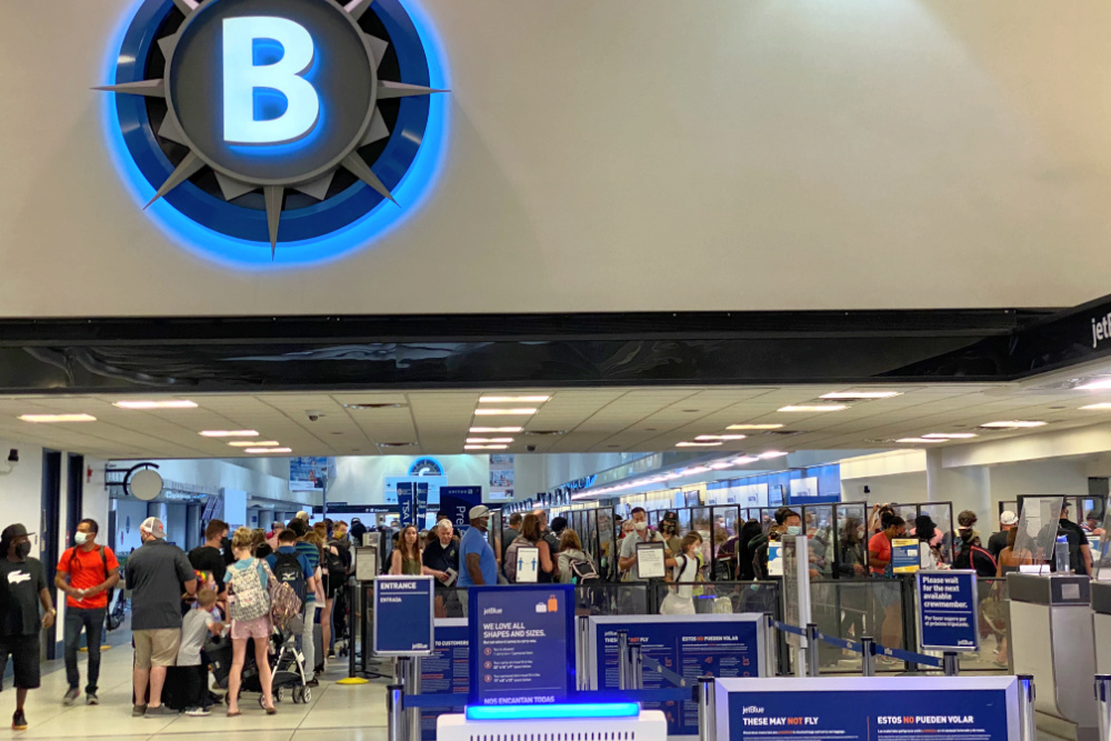 TSA Lines in Charlotte Airport Summer 2021
