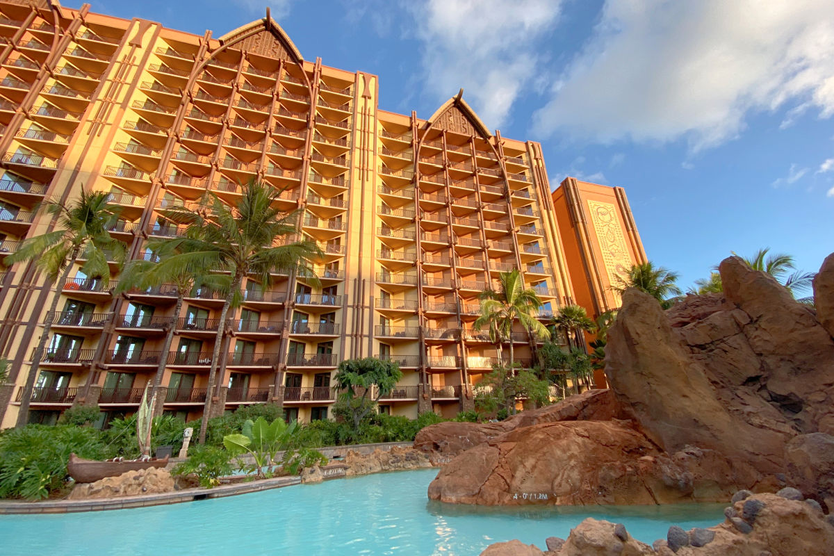 Disney Aulani lazy river and building view