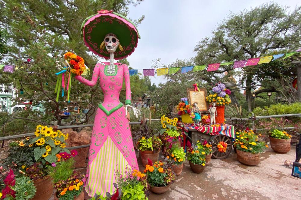 Disneyland Halloween Time Dia de los Muertos decorations in Frontierland
